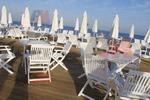 дървени столове за заведения за градини