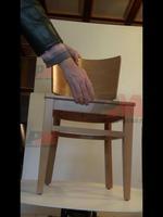 дървени столове с атрактивен дизайн за закрито