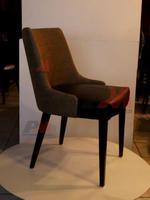 Различни дървени кресла за ресторанти