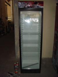 Вертикална витрина с 1 врата, среднотемпературна