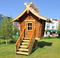 Дървена детска къщичка
