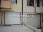 модерна секционна гаражна врата