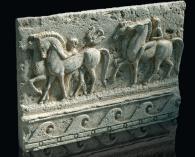 Изработка на релефни декорации от варовик