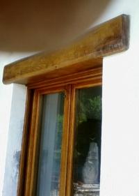 Масивна дървена дограма