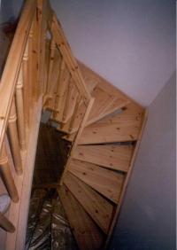 Трапецовидна самоносеща стълба