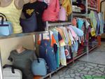 обзавеждане на магазин за дрехи