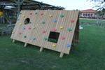 Модел на дървена детска къщичка