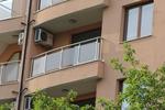 изработка на парапети за балкони от алуминии и стъкло