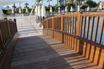 дървен парапет за мост по поръчка