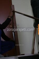монтаж на дървени парапети за стълби