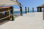 изграждане на дървена ограда за плаж