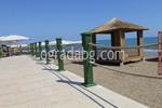 изработка на дървена ограда за плаж