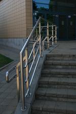 фирми иноксови парапети за стълбища