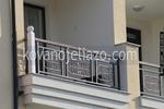парапети за балкони от дърво и ковано желязо