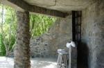 каменни колони