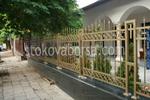 решетъчна позлатена ограда от ковано желязо