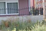 изработка на кована ниска ограда