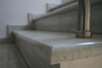 облицоване по поръчка с мрамор на стълбище