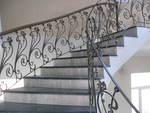 облицоване по поръчка с гранит на стълбище