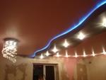 изграждане на окачен таван с лед осветление