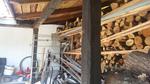 дървен навес за дърва