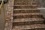 облицовка на стълби с гнайс