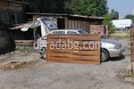 изработка на дървени пана за огради боядисани с безцветен лак