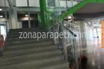 производство на парапети от инокс и стъкло за стълби