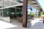 Подвижни безпрофилни стъклени системи за затваряне на кафенета